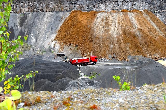 práce v těžbě